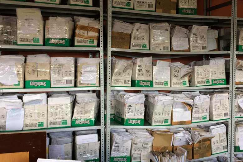 Сдать архивные документы в макулатуру дорого
